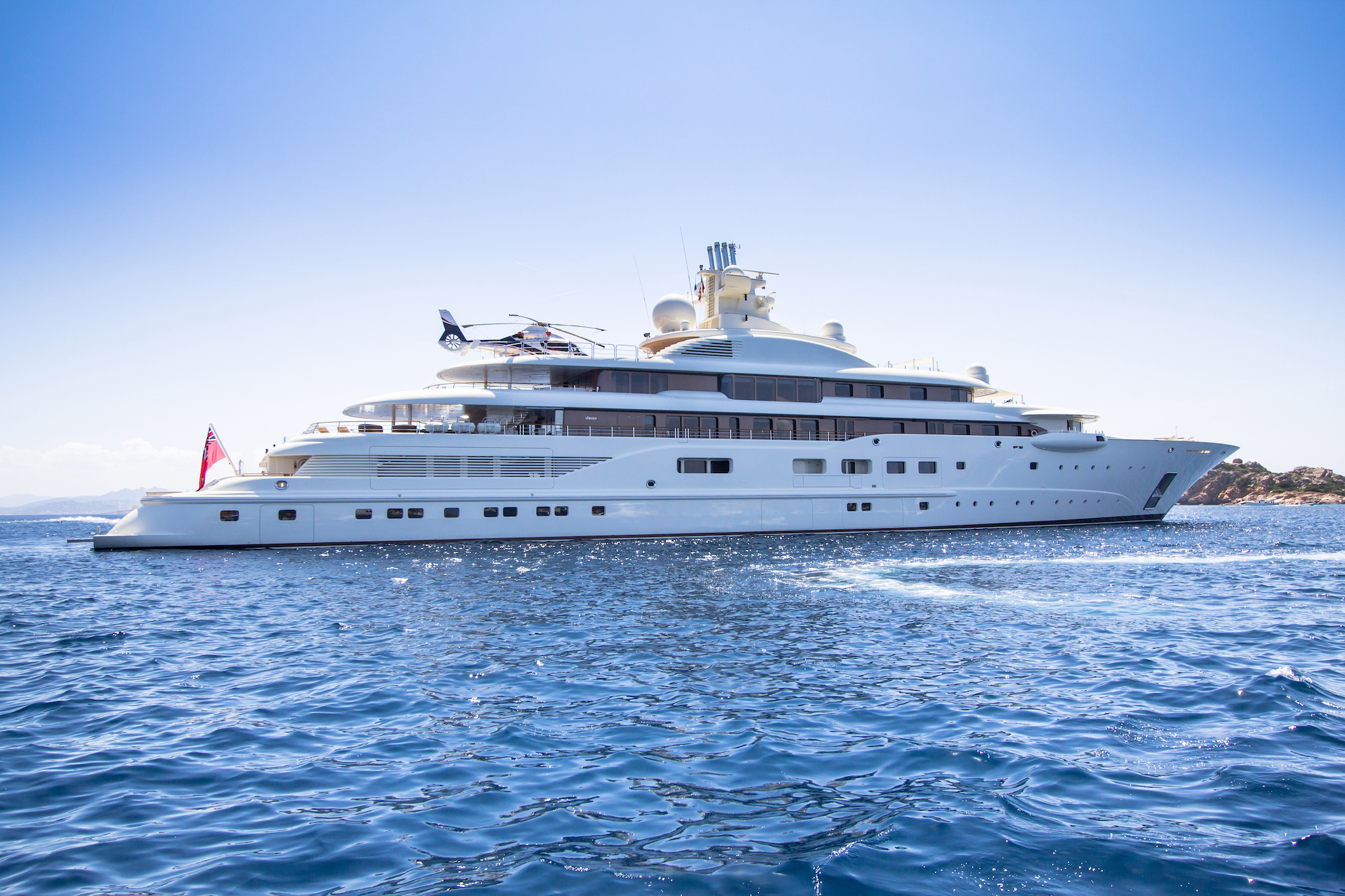 How Much Does a Chef on a Yacht Earn?